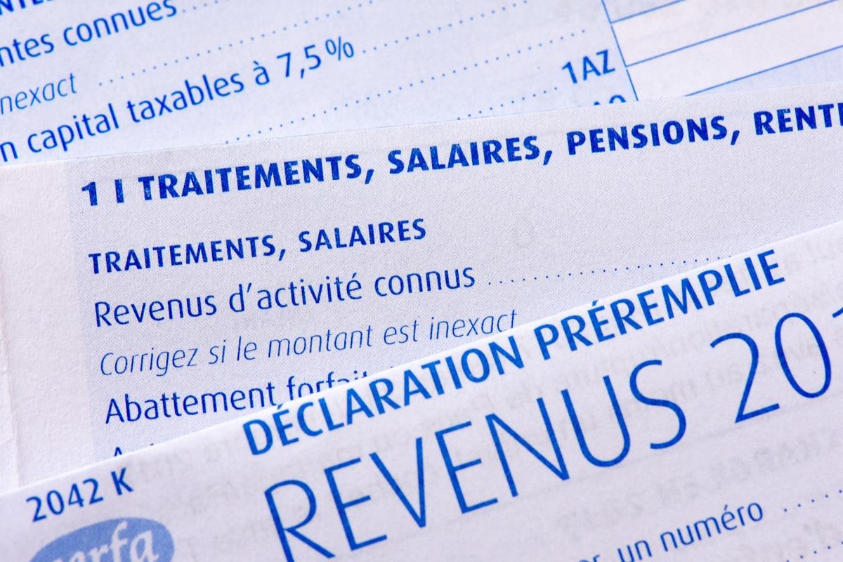 Une feuille d'imposition pour l'impôt sur le revenu annuel